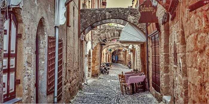 Le stradine della Città Vecchia di Rodi