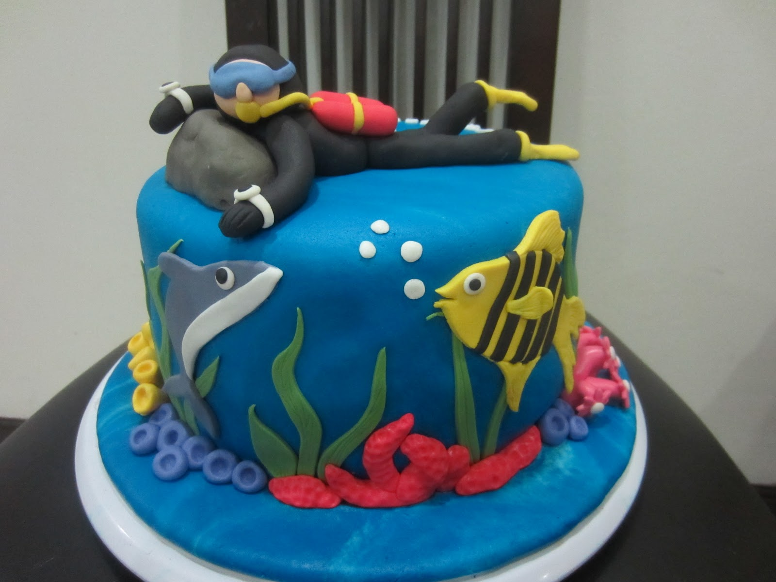 Home May De Cakes The Making Scuba Dude Cake And His