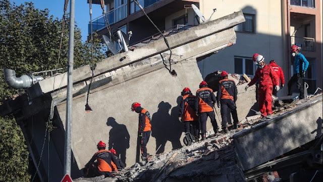 Στους  49 νεκροί από τον σεισμό στην Τουρκία -  896 οι τραυματίες