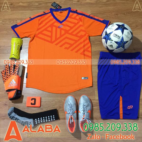 Quần áo bóng đá màu cam đẹp