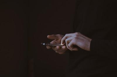 Ciri akun whatsapp sedang di hack dan cara mengatasinya