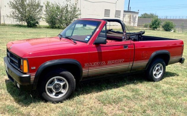Dodge Dakota Sport and SE Convertible
