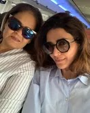 karishma tanna with her mother