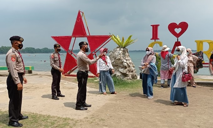 Pastikan Prokes, Ditpamobvit Polda Banten Patroli Ke Lokasi wisata Anyer-Carita
