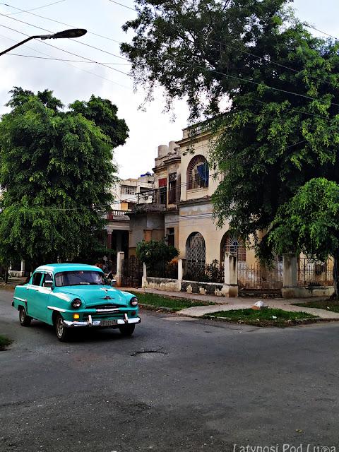 Klasyczne samochody na Kubie