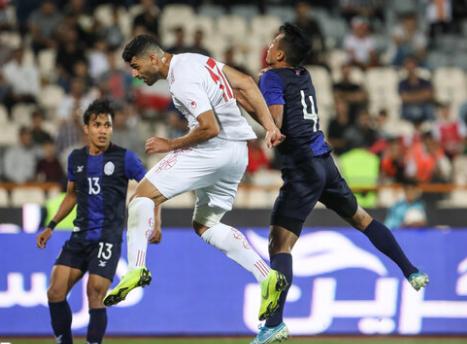 لاعب إيراني: البحرين والعراق يخشيان إيران أيضاً