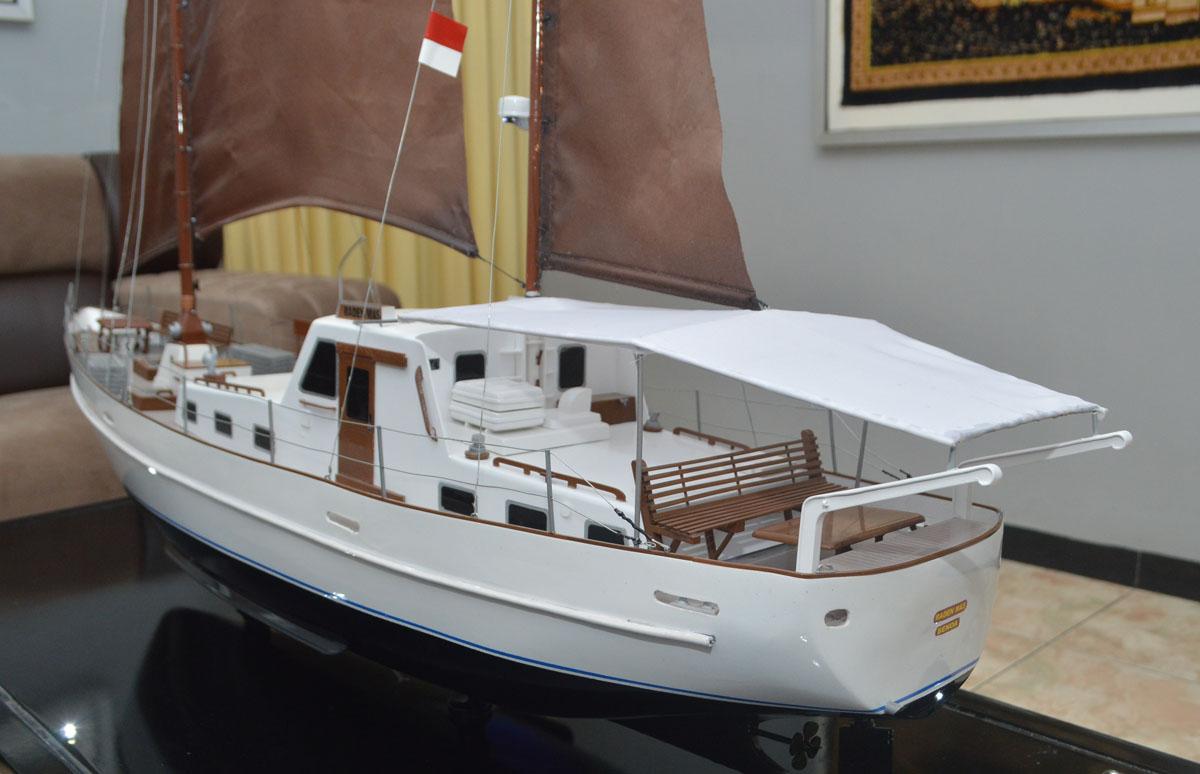 harga jual miniatur kapal sailing yacht raden mas termurah surabaya