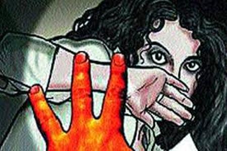 Malayalam film producer booked over immoral assault charges, Kochi, News, Molestation, Cinema, Actress, Complaint, Police, Probe, Media, Crime, Criminal Case, Blackmailing, Kerala
