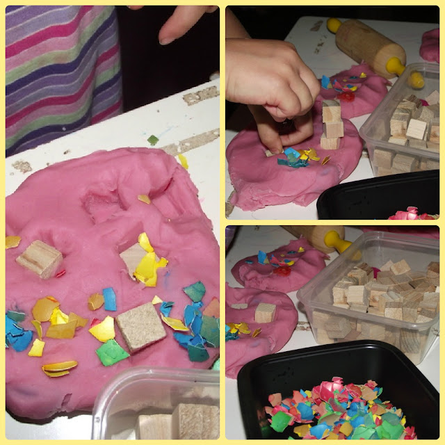 Toddler fine motor sensory play