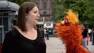 Murray What's the Word on the Street Reporter, Sesame Street Episode 4320 Fairy Tale Science Fair season 43
