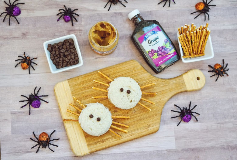 spider sandwich - easy halloween snack idea