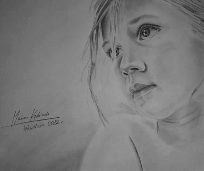 16-Girl-Mariusz-Kedzierski-Determination-and-Perseverance-in-Portrait-Drawings-www-designstack-co