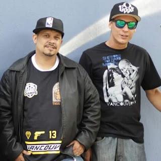"""Jotta Mc e Rodrigo Rua's (de óculos) são os fundadores do grupo Força Coletiva e estão á frente do  projeto """"Hip hop união"""" em desenvolvimento no CDHU Voith, no bairro Jaraguá. Foto: acervo Força Coletiva"""