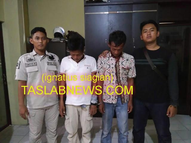 Kedua tersangka yakni Muzni Sinaga dan Syamsudin Panjaitan saat diamankan oleh petugas Sat Res Narkoba Polres Tanjungbalai.
