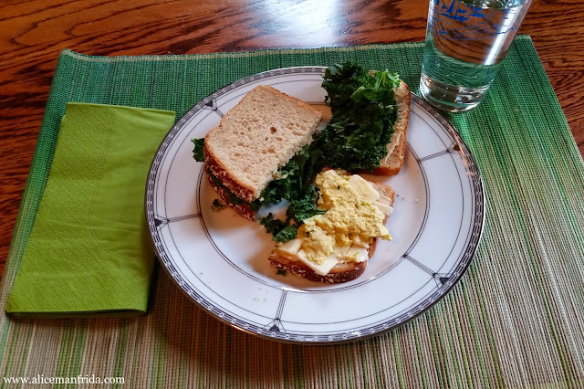 lunch, tasty tuesday, what i ate, sandwich, healthy, water, kale
