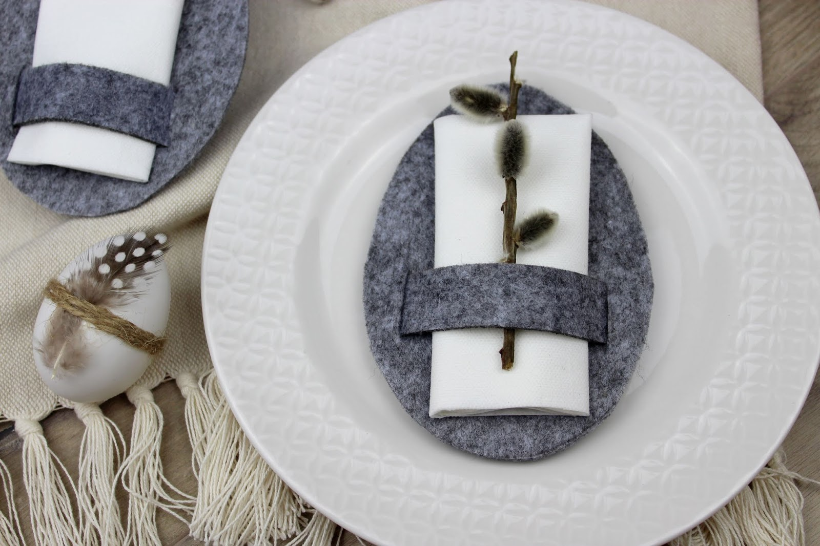 DIY: Serviettenringe aus Filz in Eiform - die perfekte Osterdeko für die Osterzeit