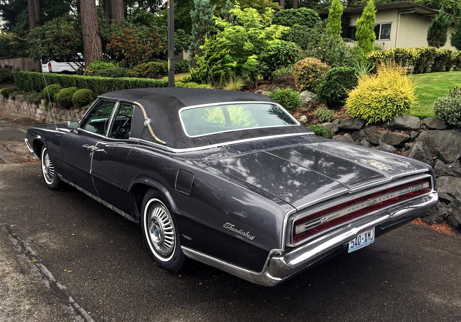 seattle 39 s classics 1968 ford thunderbird. Black Bedroom Furniture Sets. Home Design Ideas