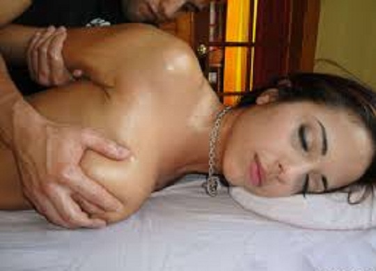 wife gets sexy massage