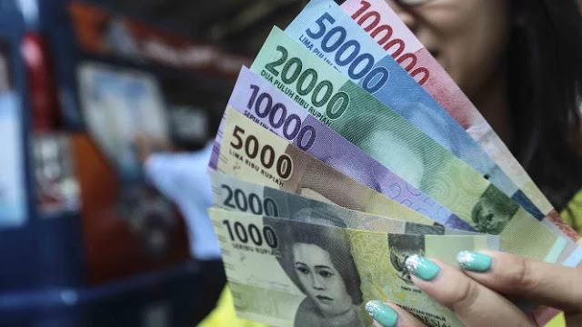 Uang Kertas Bisa Sebarkan Virus Corona. Benarkah?