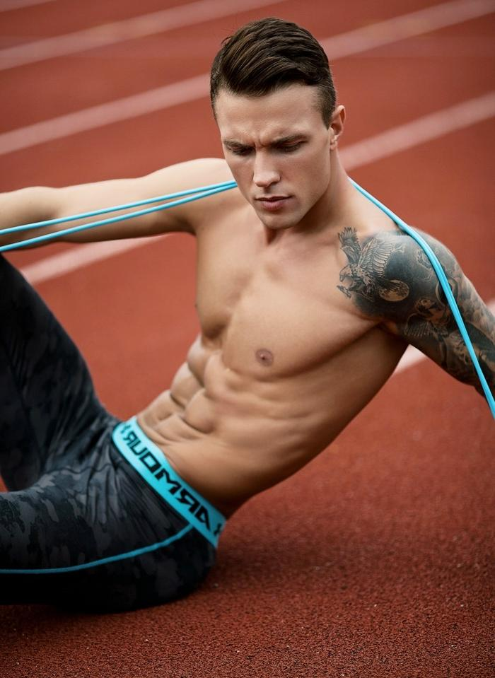 hot-shirtless-male-muscle-runner-tattoo-bad-boy-abs