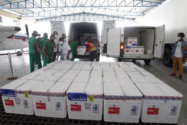 Bahia recebe mais 347 mil doses de vacinas contra a Covid-19