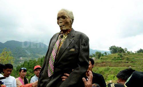 Thực hư chuyện xác chết đội mồ tìm đường về nhà ở Indonesia