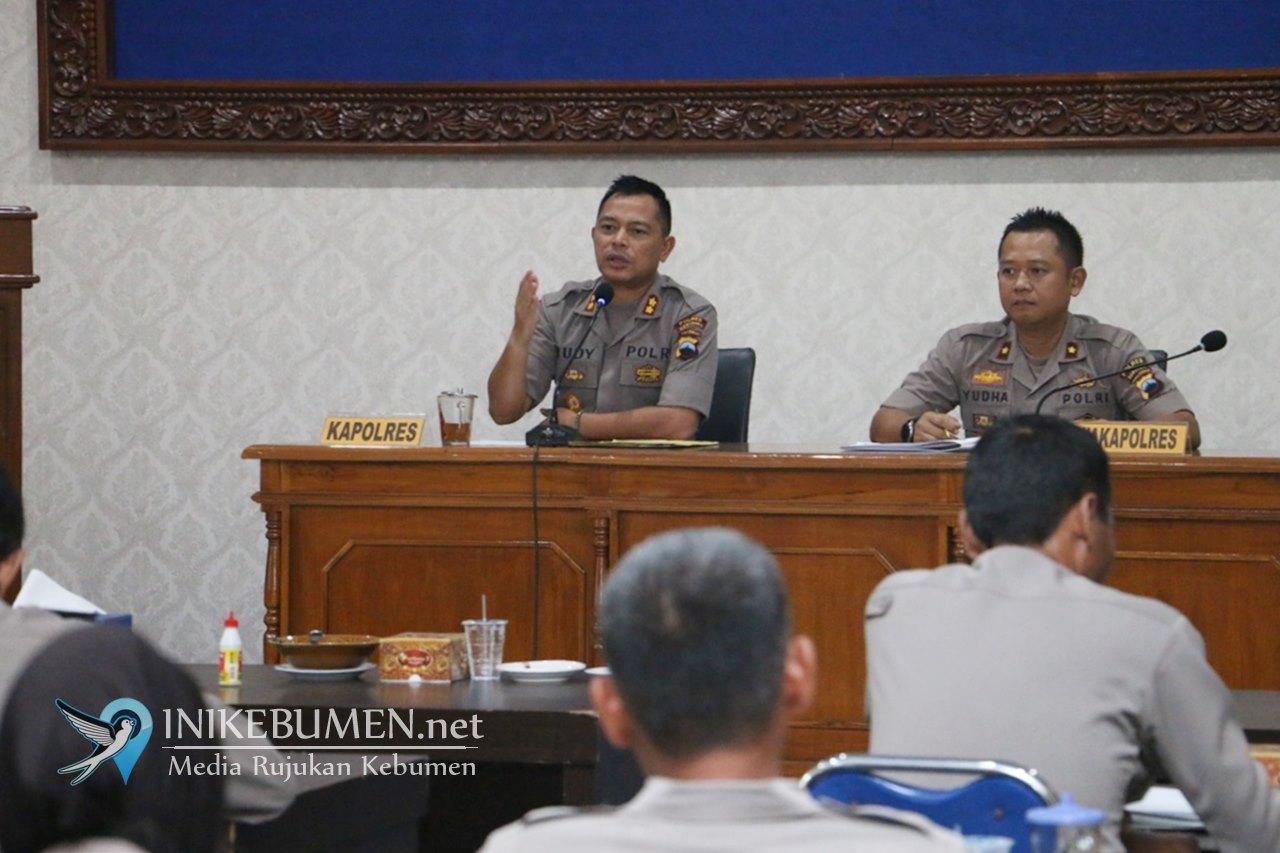 Antisipasi Penyebaran Corona, Kapolres Kebumen Kumpulkan Pejabat Utama