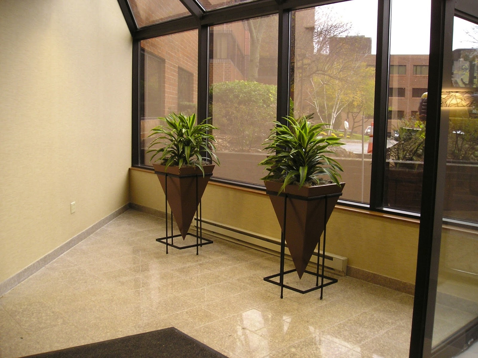 Exceptionnel Two Indoor Office Plant Cleaning The Inside Air Of Carcinogens Burlington,  MA
