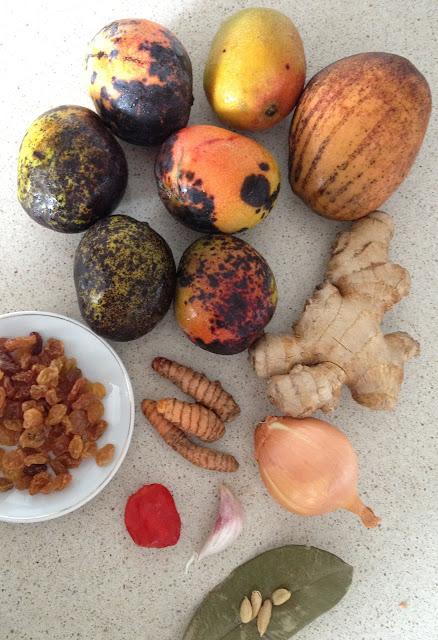 mangues bassignac, mangue julie, gingembre, curcuma, oignons, raisins, chutney piment