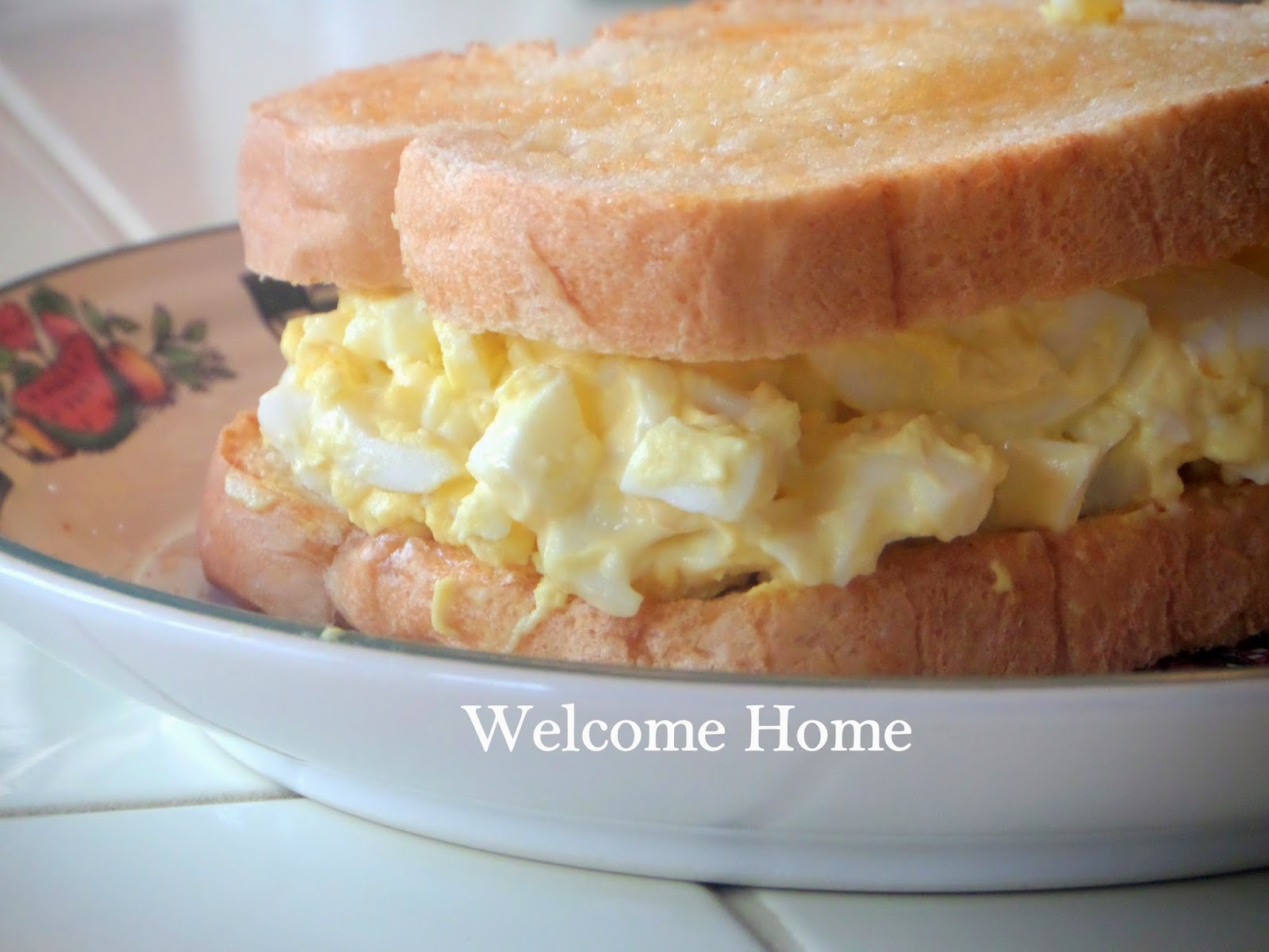 Welcome Home Blog: ♥ Classic Egg Salad Sandwich
