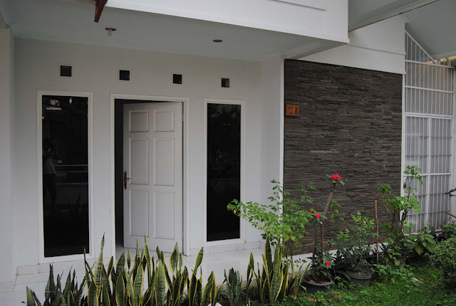 rumah cat putih