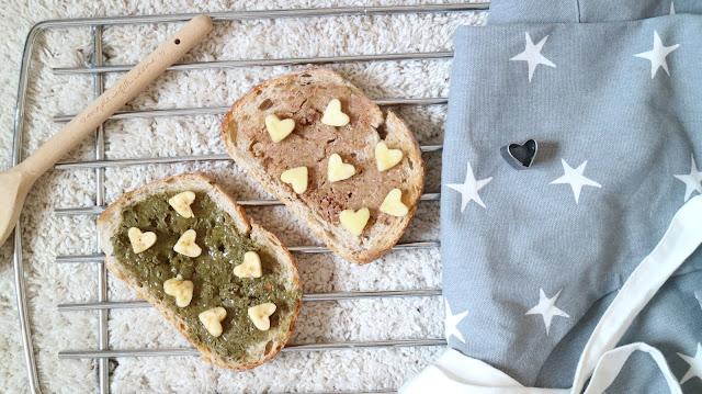 Quick, easy, kids, breakfasts, slimming, weightloss, vegan, vegetarian, toast, nut butter, fruit, berries, oats, nut butter,