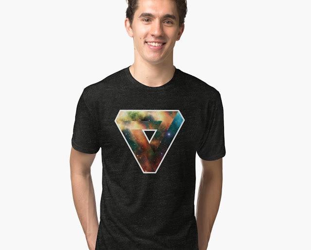 Penrose tribar Universum T-shirt - graphic illusion - down-pointing triagle