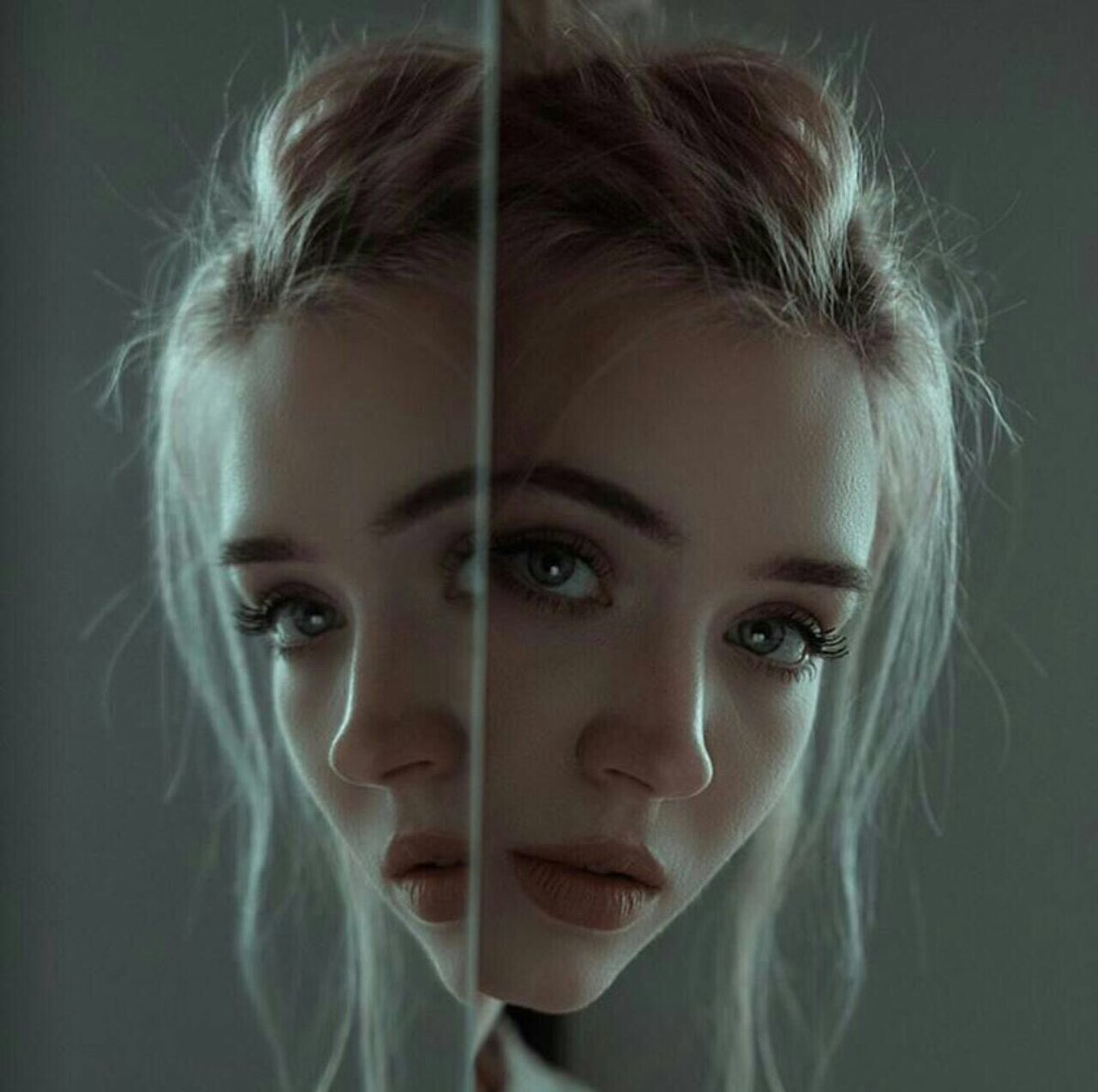 طفلة فتاة حزينة وحيدة