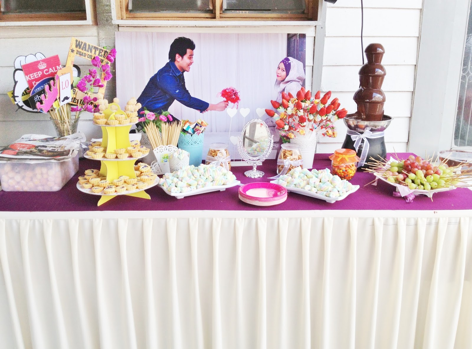 Candy Buffet With Chocolate Fountain