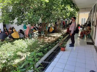 Penyaluran BST Tahap I Polsek Segeri Lakukan Pengamanan