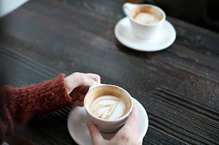 कॉफी डेट पर ले जाएंगे