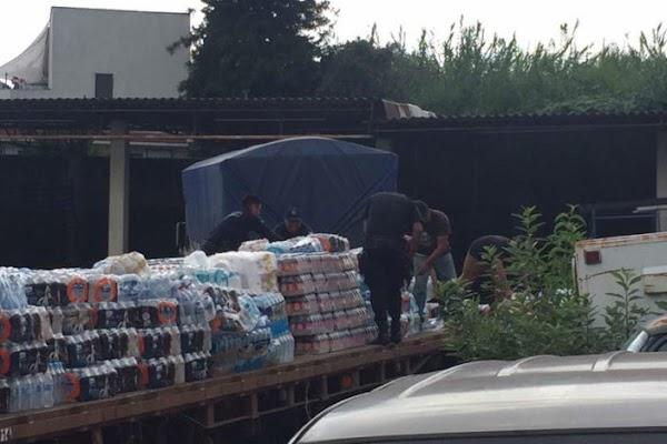 Denuncian que la esposa del gobernador de Morelos esta robando la ayuda para damnificados