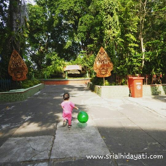 TRAVELING HEMAT BANDUNG - YOGYAKARTA