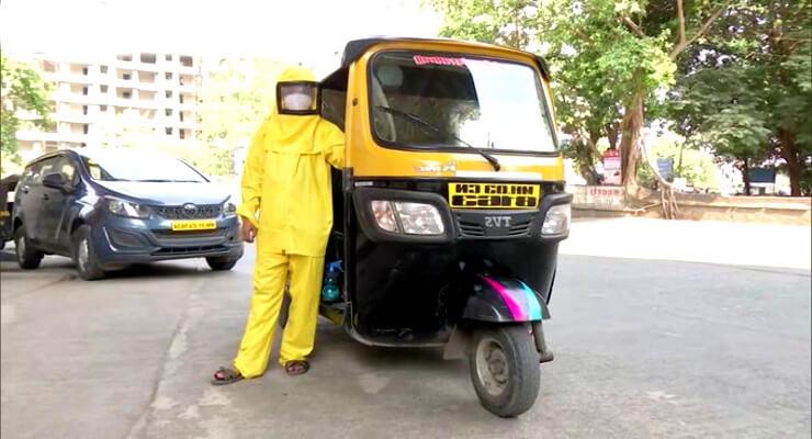 Mumbai Teacher Who Ferries Covid Patients in Makeshift Ambulance
