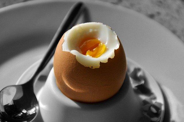 peel boiled egg