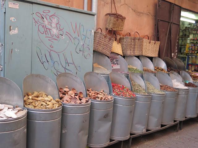Artículos de belleza en el Zoco de Marrakech