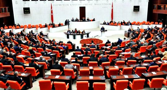 iPhone enthusiasts applied to the Turkish Grand National Assembly to include headphones and chargers in the boxes