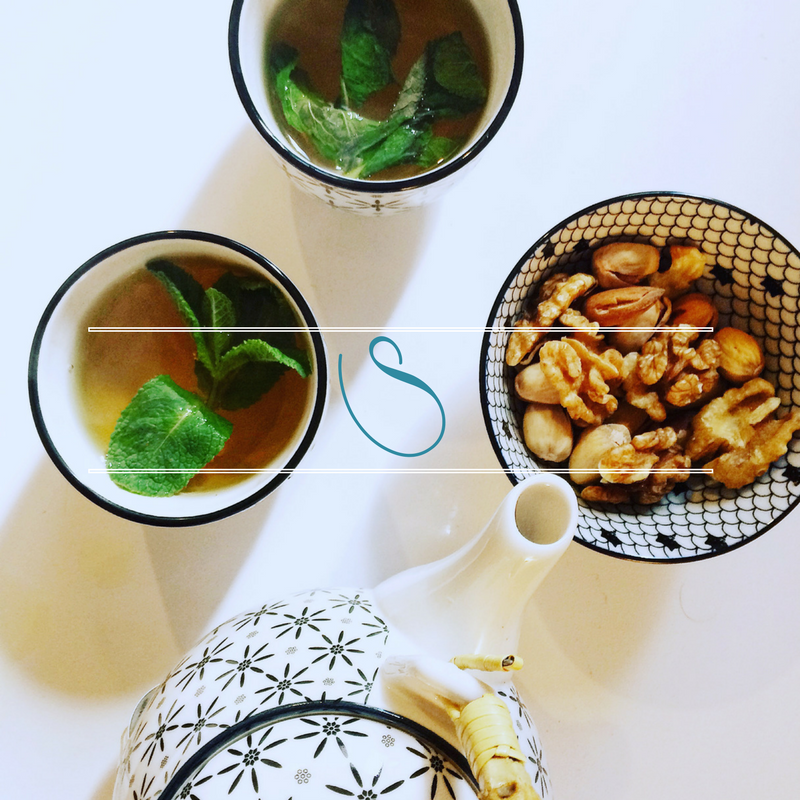 #Omi's Traditional Tunisian fresh mint tea | Thé traditionnel Tunisien à la menthe fraîche d'Omi