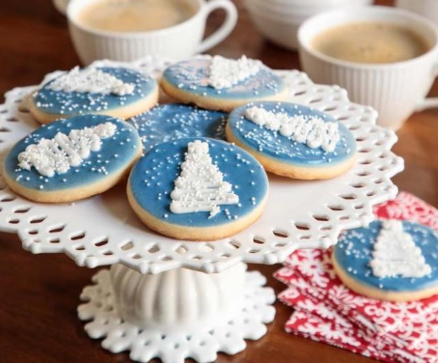 Easy Decorated Christmas Shortbread Cookies #cookies #baking
