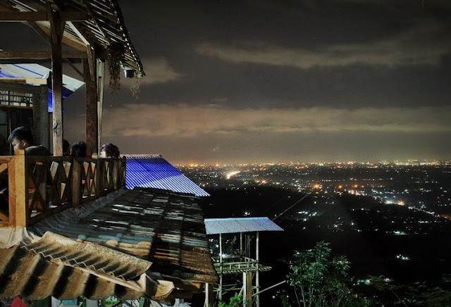 Romantisnya Malam di Bukit Bintang, Wonosari, Gunung Kidul - Yogyakarta