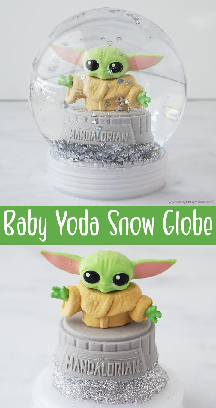 Mandalorian Baby Yoda Snow Globe