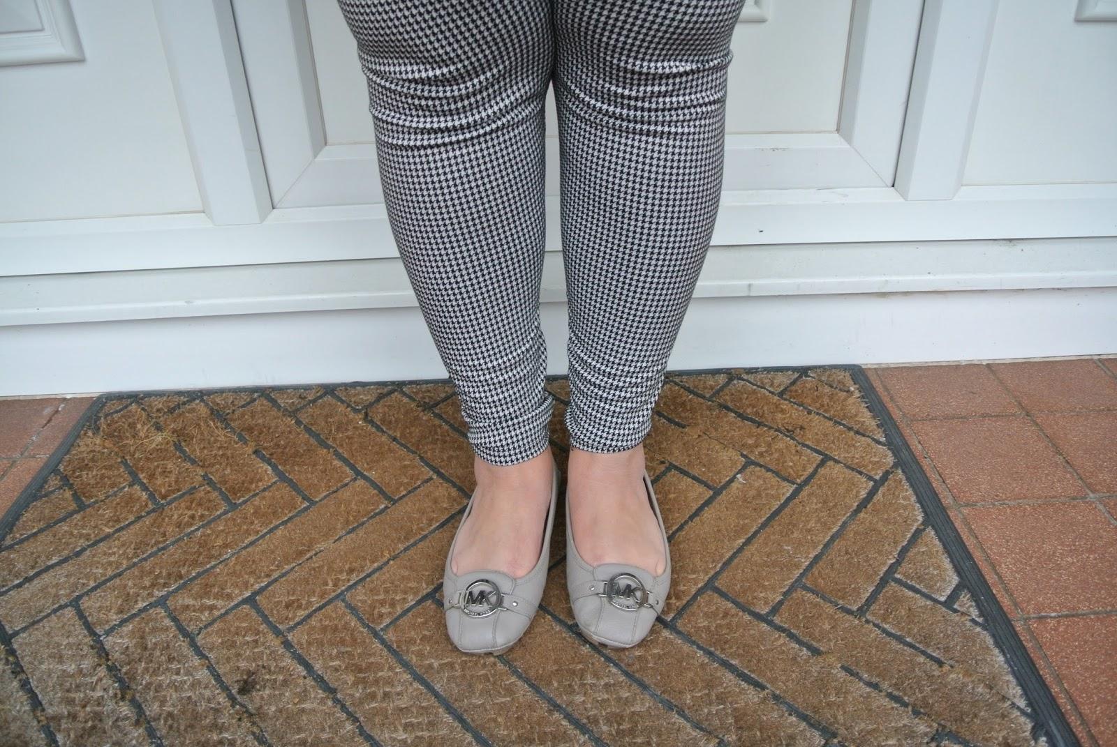 Michael kors flat shoes scarlett and jo houndstooth leggings