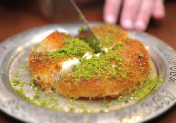 Method of work of the soft knafah Nabulsi