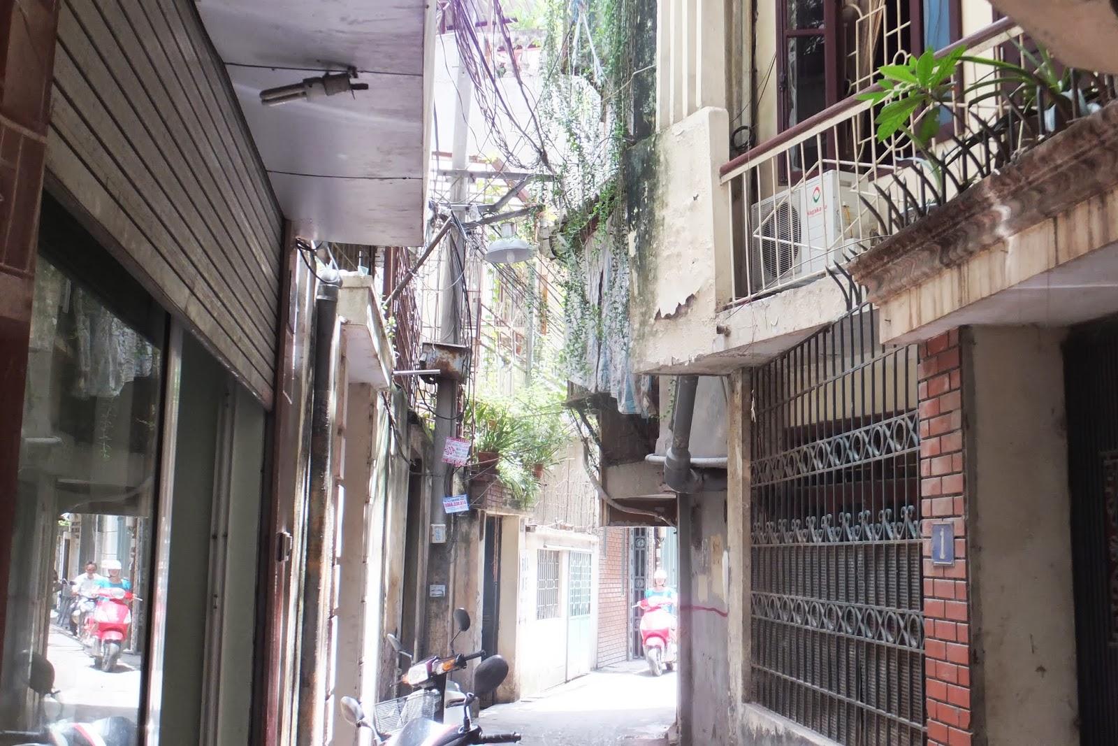 hanoi-back-alley ハノイの路地裏2
